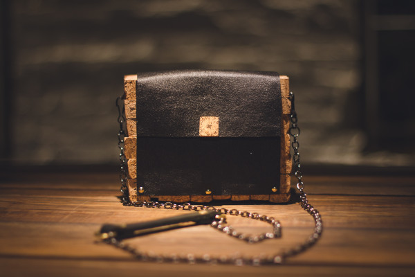 Handmade leather clutch made of leather and cork