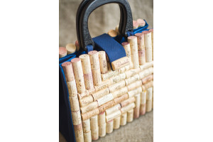 Cork bag with wooden handles